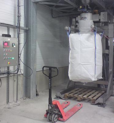 remplissage-bigbag-inox-reprise-transpalette-pesage-palette-chimie-fine-Mecabag