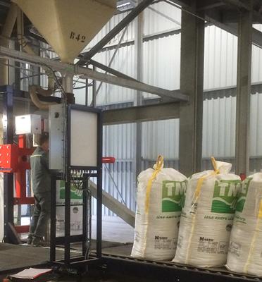 remplissage-bigbag-1-anse-engrais-alimentation-animale-semences-pesage-Mecabag