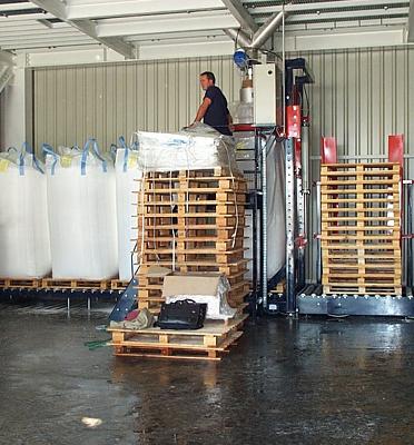 Remplissage-bigbag-ligne-automatique-distributeur-palettes pesage-poudre-polymère-Mecabag